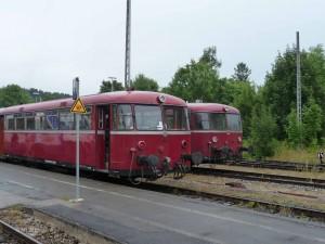 Zwei mal VT 98 auf Gleis 4 und 5
