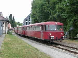 Ankunft vierteiliger VT 98 in Landsberg